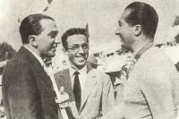 Аскари-младший (справа)
