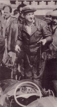 Эммануил Лифшиц