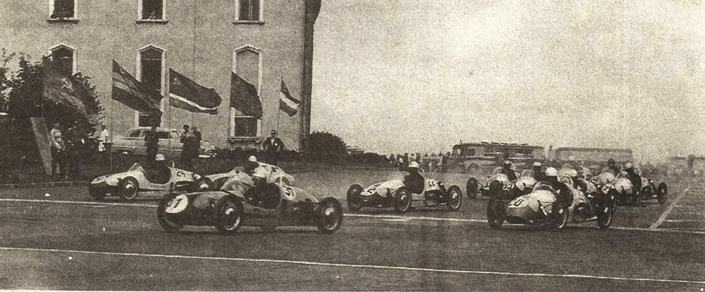 Гоночные автомобили тогдашней формулы 3