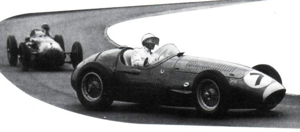 Знаменитый гонщик Стерлинг Мосс впервые сдаёт на права в 65 лет (Вокруг колес)