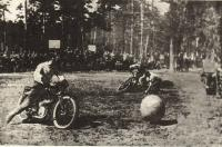 Показательные соревнования по мотоболу