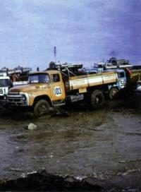 Полноприводные грузовики, участники автокросса