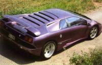 Представитель спешэл эдишн Lamborghini Diablo SE