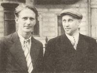 Сергей Рылло оператор студии научно-популярных фильмов (слева)