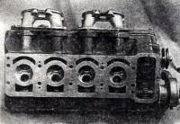 Вид снизу на головку двигателя